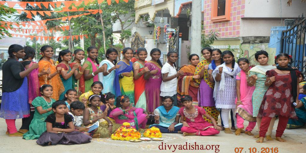 celebrating-bathukamma-at-balikaniketan-divya-disha